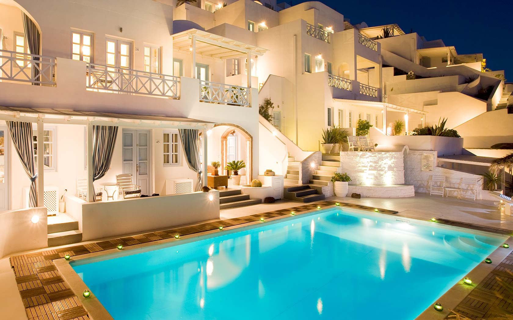 Best Hotels In Santorini Fira