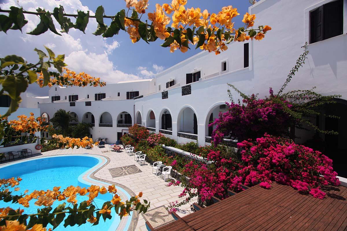 3  New Haroula Hotel  Fira - Santorini